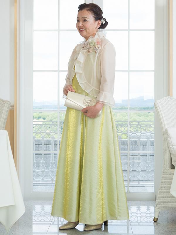 光沢のあるイエローグリーンのオーガンジーアフタヌーンドレス