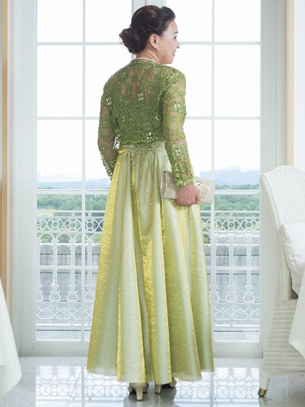 光沢のあるオーガンジードレス